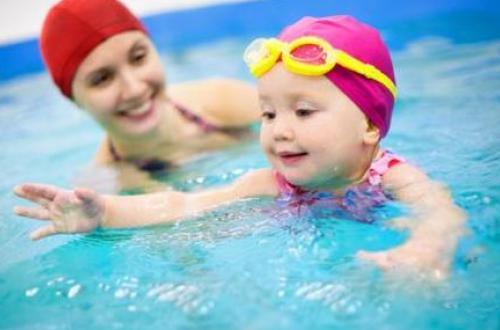 宝宝玩水家长应该注意哪些事项呢?