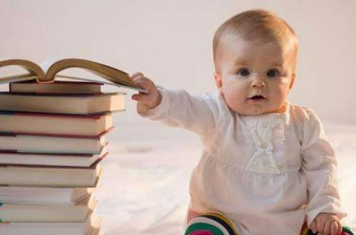 宝宝就是爸爸妈妈心中的挂念与努力的动力
