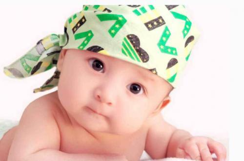 大家觉得母婴分床睡是否对宝宝身心健康有利呢?