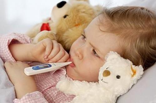 宝宝生病了,真是人累心也累呀!!!