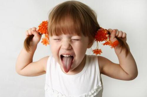 宝宝成长录与你分享宝宝的言语开展灵敏期不要错失