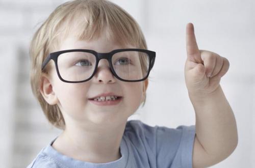 爸爸妈妈应该怎么来预防宝宝近视眼的问题